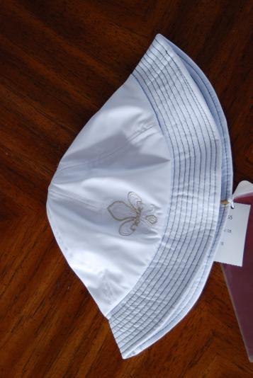 t Bucket Hat in White